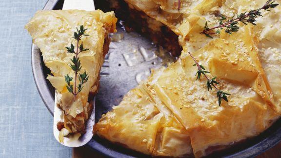 Rezept: Pastete aus Filoteig mit Lammhack, Feta und Sultaninen