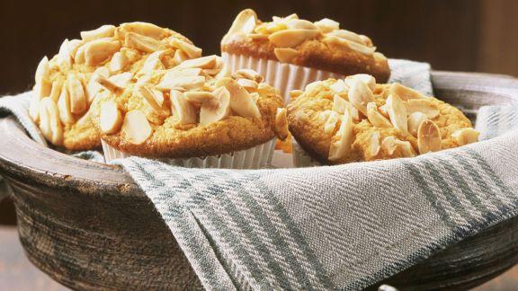 Rezept: Pastinaken-Orangen-Muffins mit Mandeln