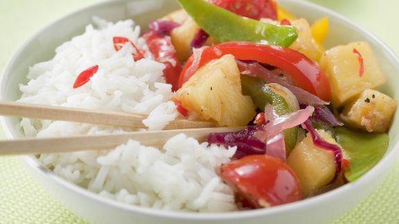 Rezept: Pfannengemüse mit Ananas dazu Reis