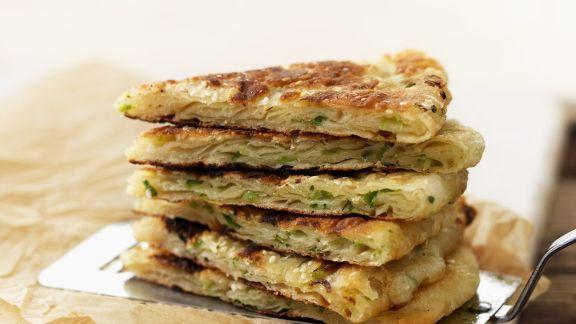 Rezept: Pfannkuchen auf chinesische Art mit Lauchzwiebeln