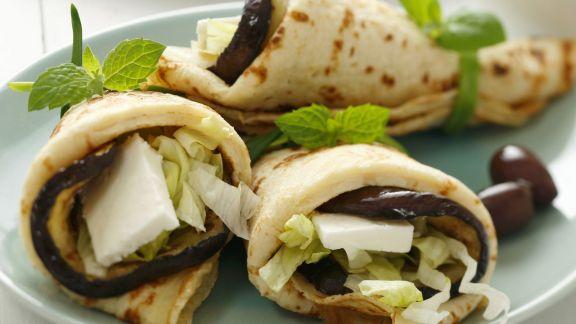 Rezept: Pfannkuchen mit Auberginen-Schafskäse-Füllung