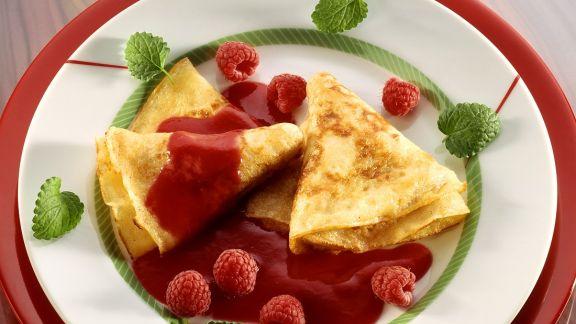Rezept: Pfannkuchen mit Beerensauce