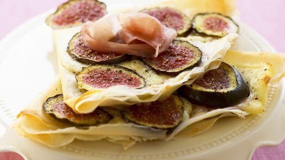 Rezept: Pfannkuchen mit Feigen, Mozzarella und Rohschinken