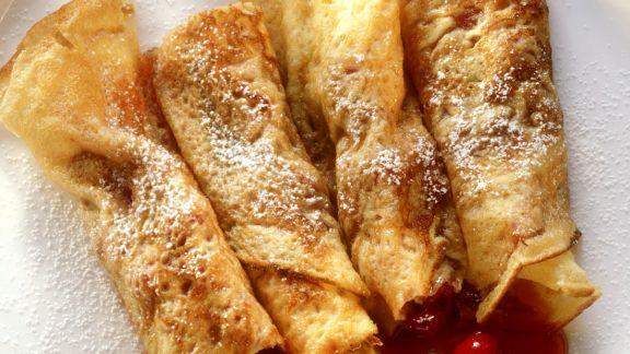 Rezept: Pfannkuchenröllchen mit Cranberries