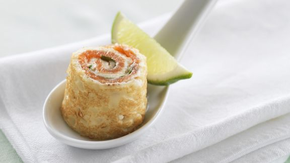 Rezept: Pfannkuchenroulade mit geräuchertem Lachs