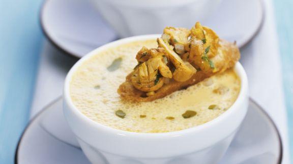 Rezept: Pfifferlingssuppe mit Röstbrot