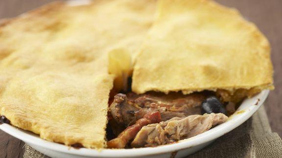 Rezept: Pie mit Hähnchen und Oliven