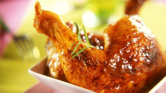 Rezept: Pikant marinierte Hähnchenkeulen