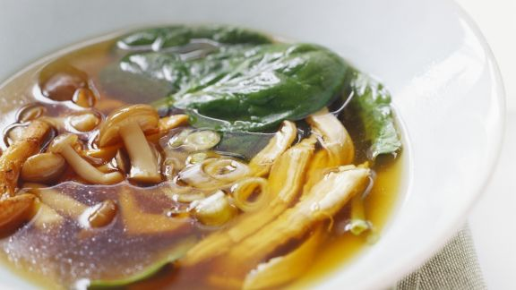 Rezept: Pilz-Spinat-Brühe