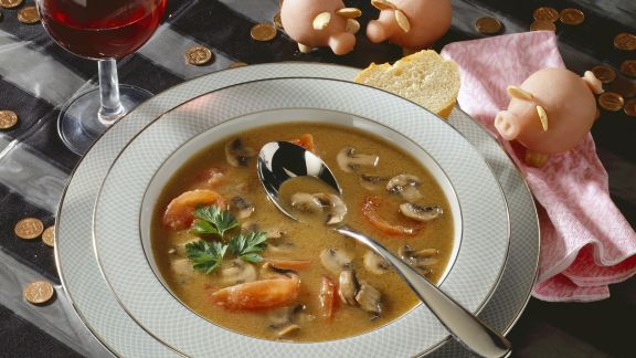 Rezept: Pilzsuppe mit Tomaten