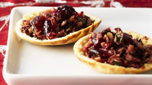 Rezept: Pitaschalen mit Tapenade aus Mandeln und Cranberries
