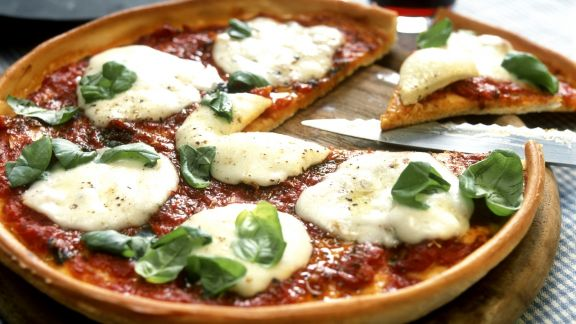 Rezept: Pizza mit Mozzarella