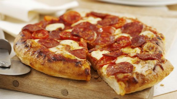 Rezept: Pizza mit scharfer Salami