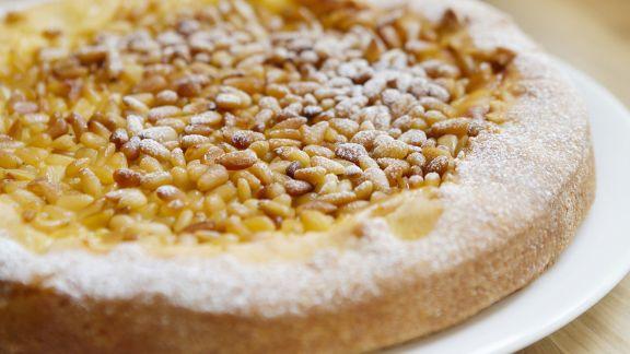 Rezept: Puddingkuchen mit Pinienkernen