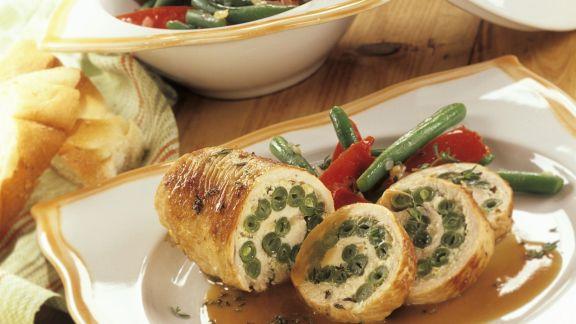Rezept: Putenrouladen mit grünen Bohnen gefüllt