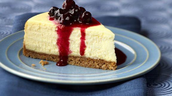 Rezept: Quarkkuchen mit Blaubeersoße