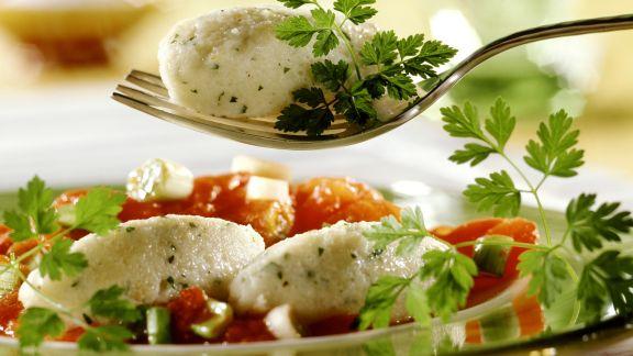 Rezept: Quarknockerl mit Tomatensoße