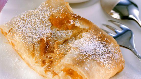 Rezept: Quarkstrudel mit Aprikosen und Ebly