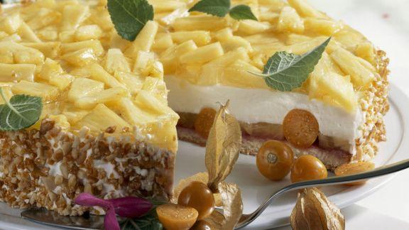 Rezept: Quarktorte mit Ananas und Physalis