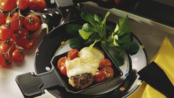 Rezept: Raclette mit Buletten und Tomaten