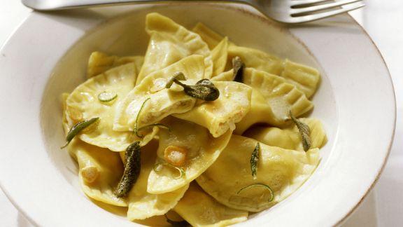 Rezept: Ravioli mit Salbei