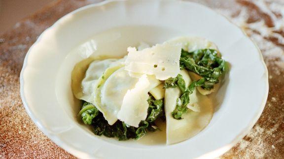 Rezept: Ravioli mit Spinat und Parmesan