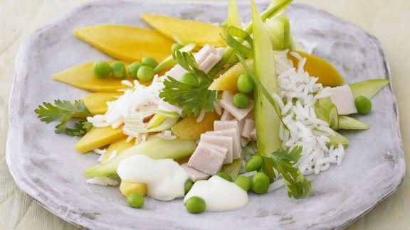 Rezept: Reis-Erbsen-Salat mit Mango und Schinken