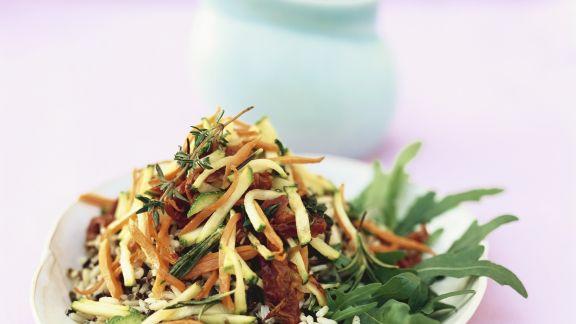 Rezept: Reis-Gemüse-Salat mit Rucola