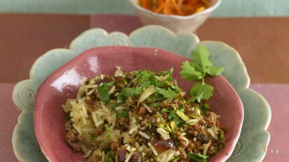 Rezept: Reis mit Hackfleisch vom Lamm, Datteln, Pistazien und Petersilie