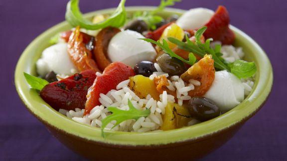 Rezept: Reis-Paprika-Salat mit Mozzarella