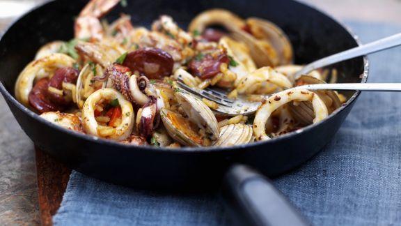 Rezept: Reispfanne mit Meeresfrüchten (Paella)