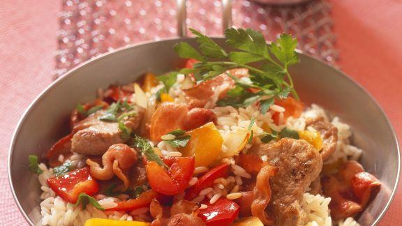 Rezept: Reispfanne mit Paprika, Fleisch und Speck
