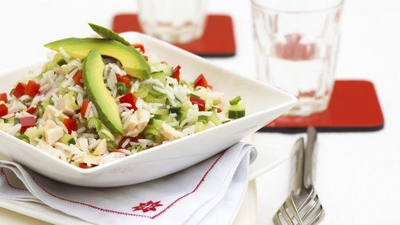 Rezept: Reissalat mit Hähnchen und Avocado