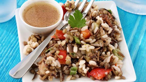 Rezept: Reissalat mit Linsen, Auberginen und Paprika