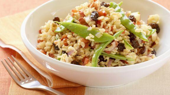 Rezept: Reissalat mit Sultaninen und Walnusskernen