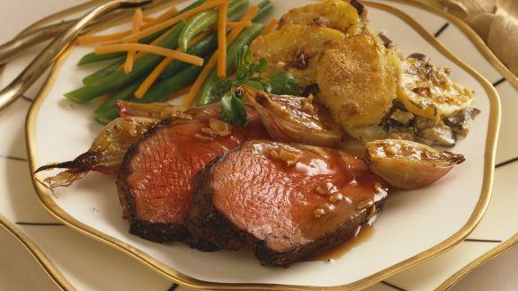 Rezept: Rindbraten mit Kartoffelauflauf und grünen Bohnen