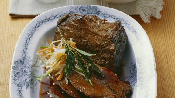 Rezept: Rinderbraten mit Kartoffelklößen