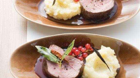 Rezept: Rinderfilet auf Johannisbeer-Cassis-Sauce
