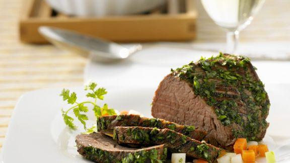 Rezept: Rinderfilet mit Kräuterhülle und Kartoffelauflauf