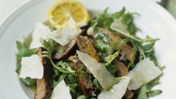 Rezept: Rindfleisch-Rucolasalat mit Parmesan