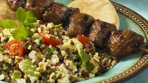 Rezept: Rindfleischspieß und Couscoussalat mit Linsen