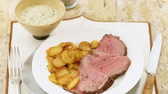 Rezept: Roastbeef mit Bratkartoffeln und Remoulade