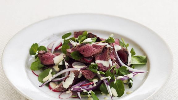 Rezept: Roastbeef-Salat mit Sauerrahm-Dressing