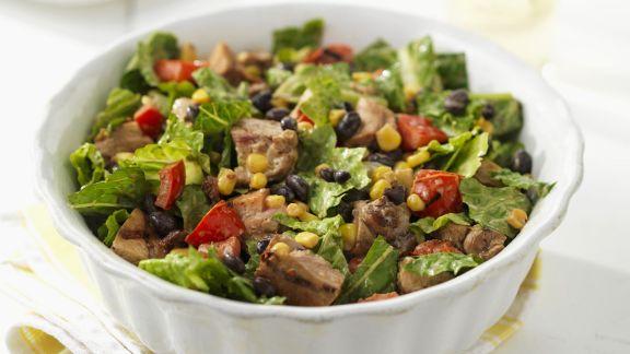 Rezept: Römersalat mit Rind, Mais und Gemüse