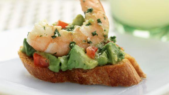 Rezept: Röstbrot mit Avocado und Garnele
