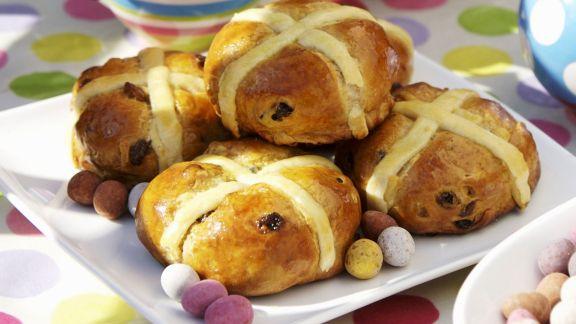Rezept: Rosinenbrötchen zu Ostern (Hot Cross Buns)