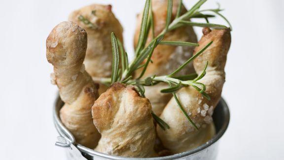 Rezept: Rosmarin-Brot mit Meersalz