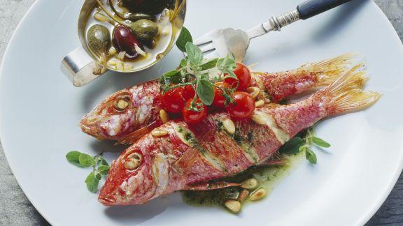 Rezept: Rotbarben mit Kapern auf sizilianische Art
