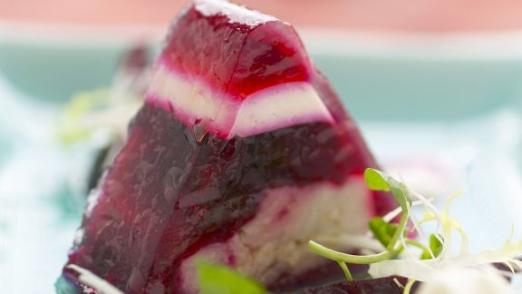 Rezept: Rote Bete-Sülze mit Karpfen dazu Meerrettichcreme