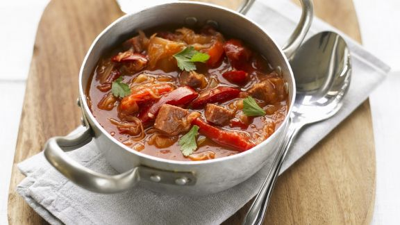 Rezept: Rote-Bete-Suppe mit Fleisch (Borschtsch)